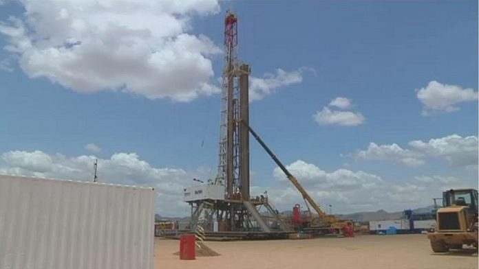 Kenya says crude oil capacity insufficient for refinery