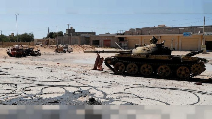 Libya government forces gain on Haftar's fighters