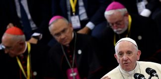 Pope hails Mozambique peace deal, offers solidarity for cyclone victims