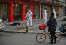 sky news africa Countries ban China arrivals as virus death toll hits 213